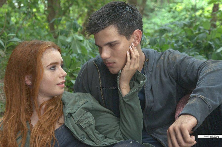 jacob and adult renesmee - photo #3